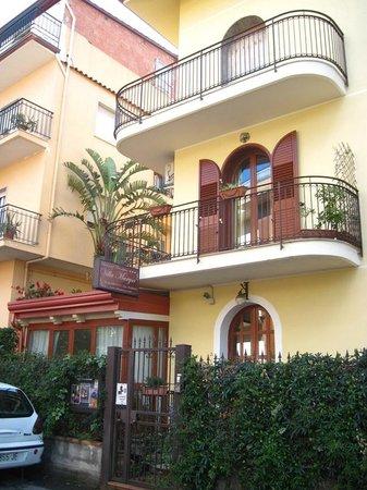 B&B Villa Marysa: Rue calme