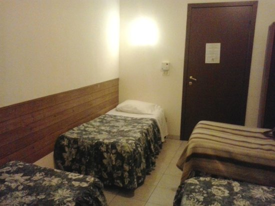 Hotel Ottaviani: 4-bed mixed dorm