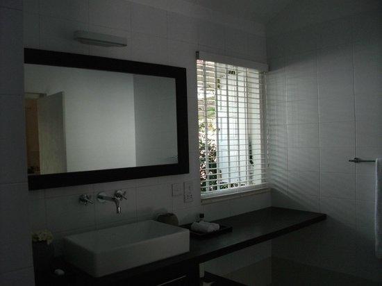 Taru Villas - Rock Villa: View of my bathroom (2)