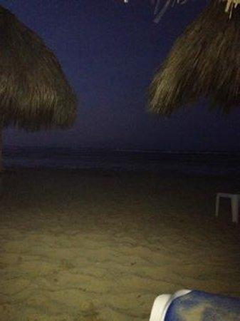 Dreams Punta Cana Resort & Spa: Beautiful Beach at night.