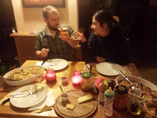 La Baitella Osteria Amalia: Anche i gestori brindano!