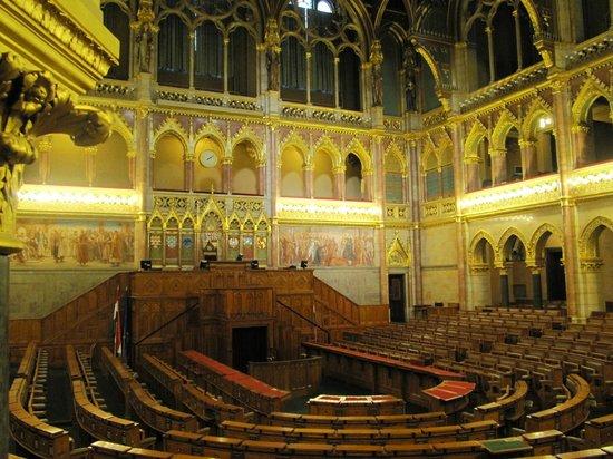 Parlement : Salle des séances - hémicycle