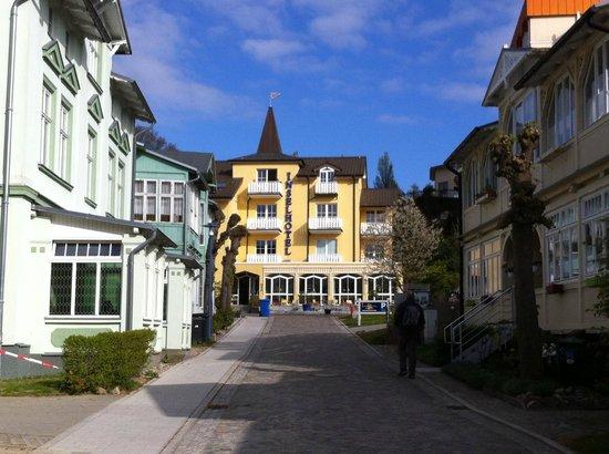 Inselhotel Rügen: Front