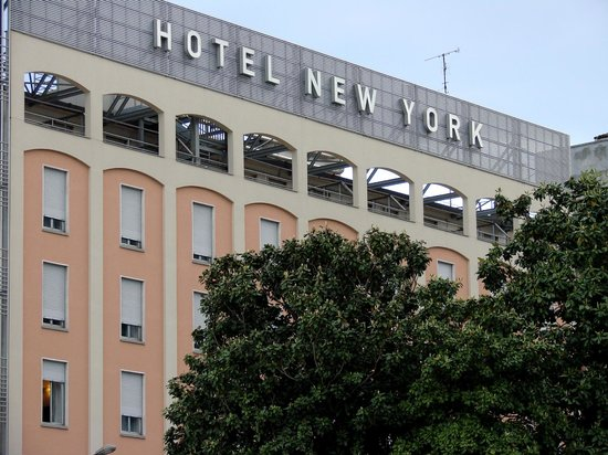 New York Hotel : facade