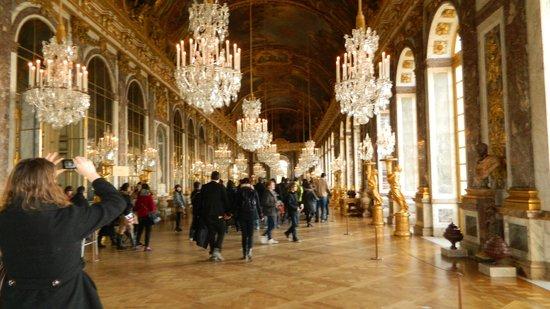 La Galerie des Glaces : Bem a cara da monarquia francesa