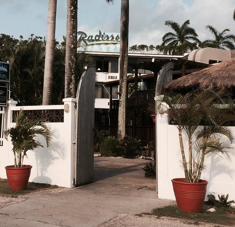 Radisson Fort George Hotel and Marina: View of the ocean front road entrance