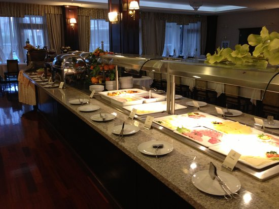 Hotel President Solin: Breakfast