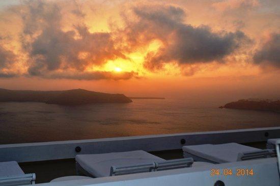 La Maltese Estate Villa: Coucher de soleil depuis la terrasse