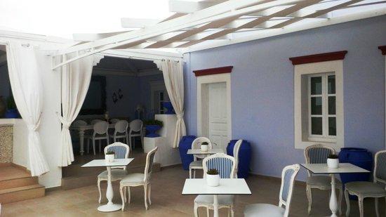 La Maltese Estate Villa: Bar extérieur et terrasse