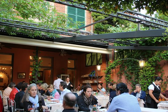 Ristorante Bilacus : The main terrace after the diners arrived in force