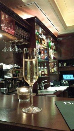 La Contessa Castle Hotel: Cyrano Bar