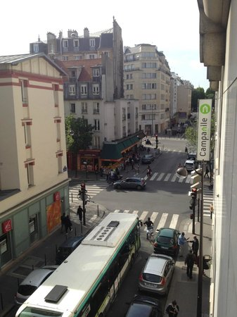 Hotel Paris Louis Blanc: View