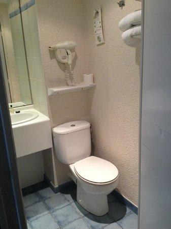 Hôtel Paris Louis Blanc : Toilet