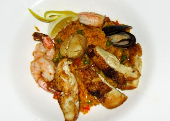 Infiniti Restaurant & Raw Bar : Grace Bay Paella