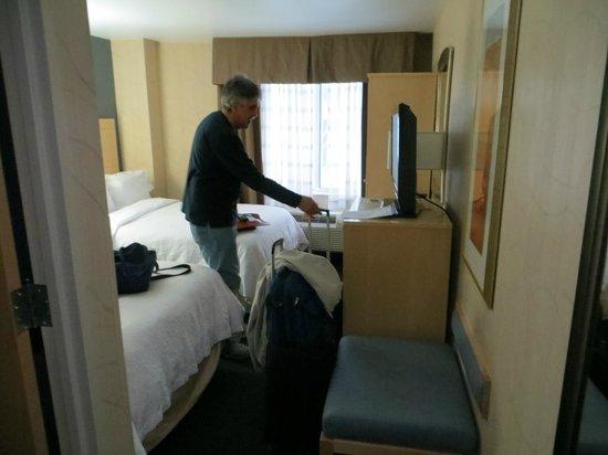 Hampton Inn Manhattan/Times Square South : tiny room