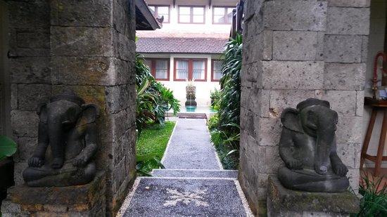 Munari Resort & Spa: Entrance