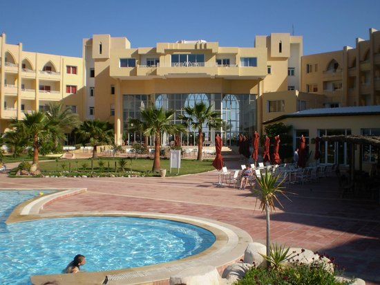 Skanes Serail : looking back at hotel from the pool