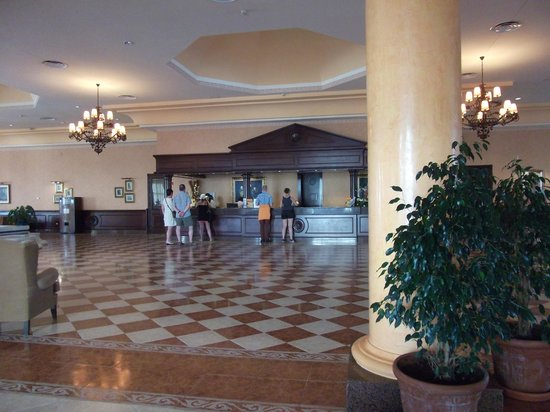 ClubHotel Riu Chiclana : huge reception area