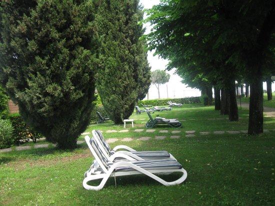 Relais Sant'Emiliano - Conference & Leisure: Relax sul lago di Garda 'ottima location e servizi'con ristorante interno