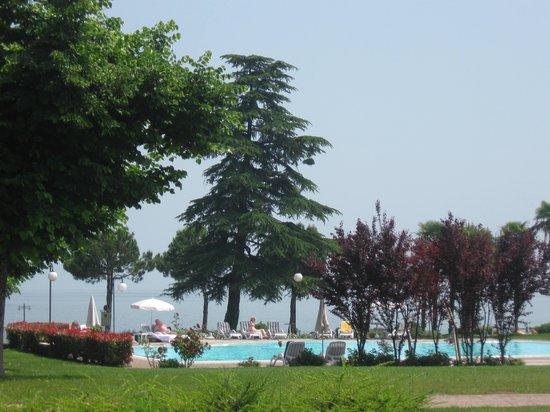 Relais Sant'Emiliano - Conference & Leisure: Sul lago con posto auto gratuito 'ottima location'