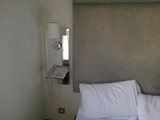 Brunswick Hotel : Bedside