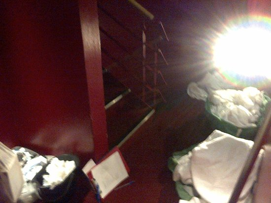 The Brunswick Hotel : Dingy stairway