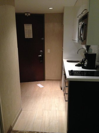 Staybridge Suites Times Square - New York City: Standing in room looking entry and kitchen!