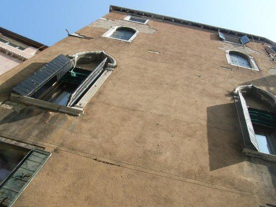 Hotel alla Fava: Vista desde el canal