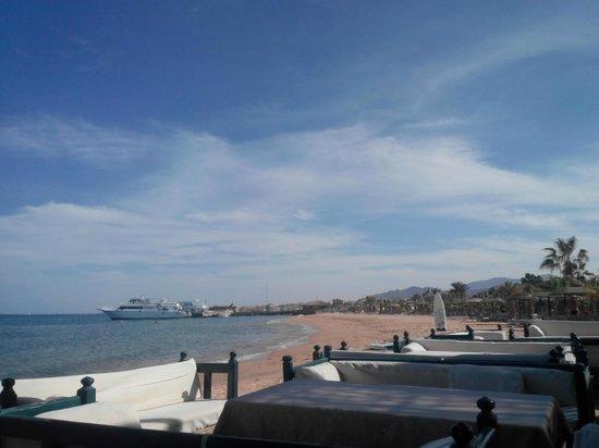 Lotus Bay: beach