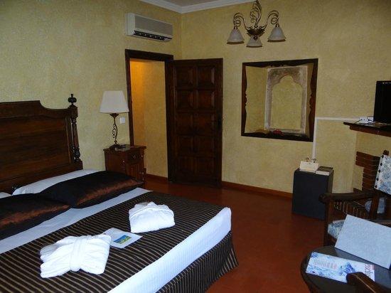 Salles Hotel Mas Tapiolas: Habitación