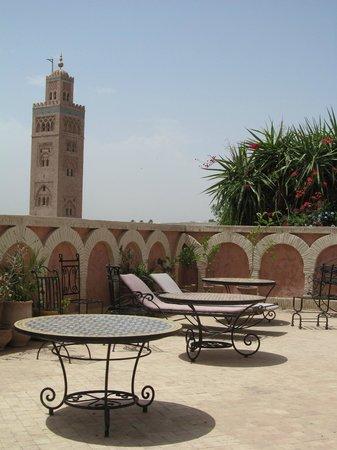 Hotel Salsabil : terraza con vista a la Kutubia