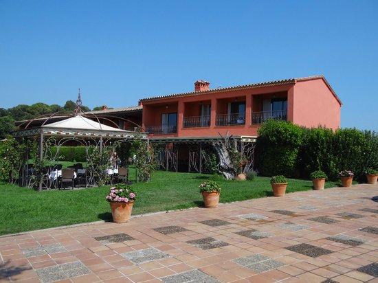 Salles Hotel Mas Tapiolas: Entorno