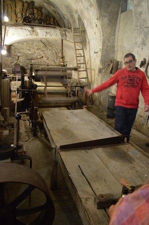 Museo della Carta: La macchina per fare la carta.