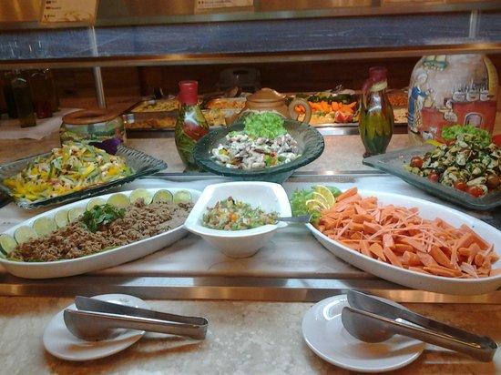 Grand Palladium Imbassai Resort & Spa : Buffet restaurante temático Bahia y Brasas