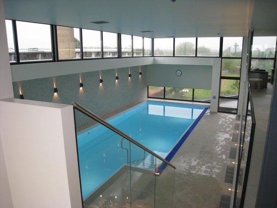 Van der Valk Hotel Maastricht: piscine