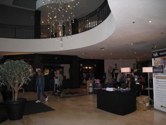 Van der Valk Hotel Maastricht: hall d'entrée