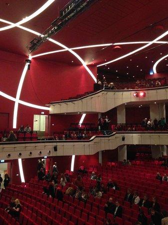 Deutsches Theater Munchen: Deutsches Theater