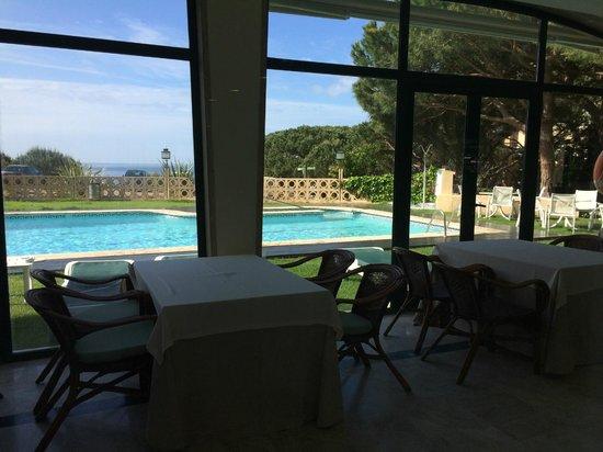 Hipocrates Curhotel: piscine extérieur