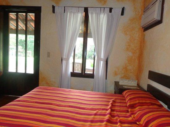 Hotel Hacienda El Jaral: Interior de la habitacion