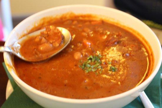 Zeleny Rodrigez: Bean soup with meat