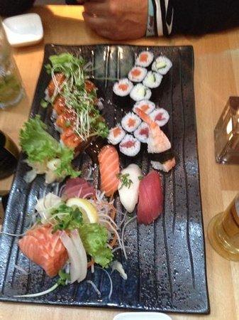 Oishii: sushi 4 2 (for two)