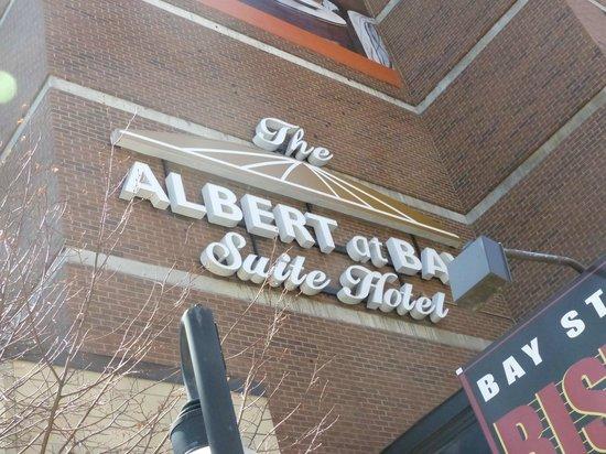 Albert at Bay Suite Hotel: devanture hotel