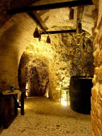 Le grotte calcaree antichi camminamenti fra i castelli malatestiani di Verucchio