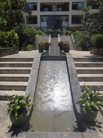 Saigon Domaine Luxury Residences: hotel grounds