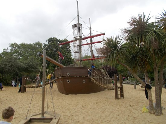 Diana Princess of Wales Memorial Playground: pirate ship