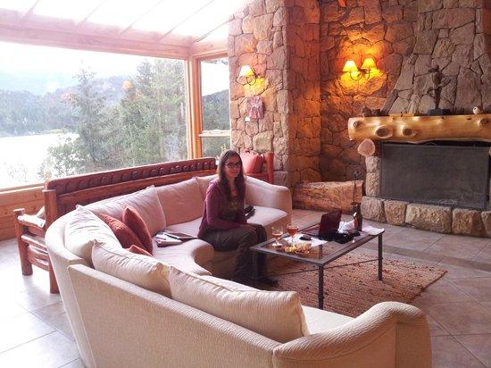 Peninsula Petit Hotel : Salon, estancia junto a recepción