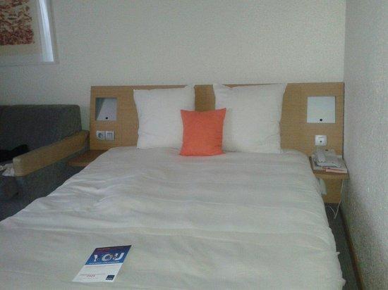 Novotel Paris Est : Cómoda habitación