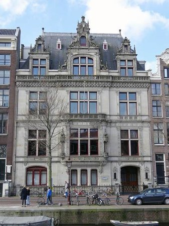 Herengracht: Institute for Holocaust