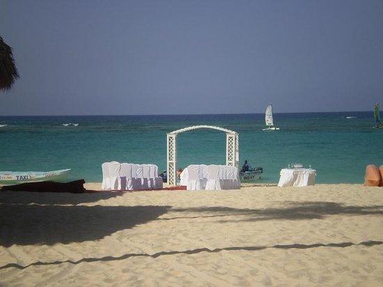 Iberostar Dominicana Hotel: bodas en la playa,,,,,un sueño q pued ser realidad