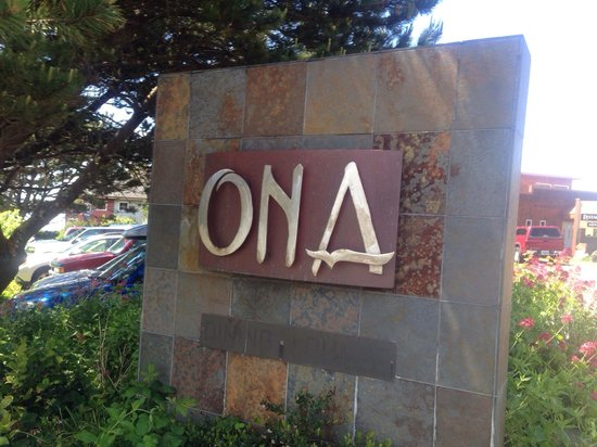 Ona Restaurant and Lounge: The sign